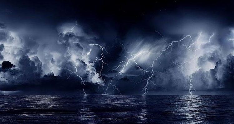 storm lightning at sea
