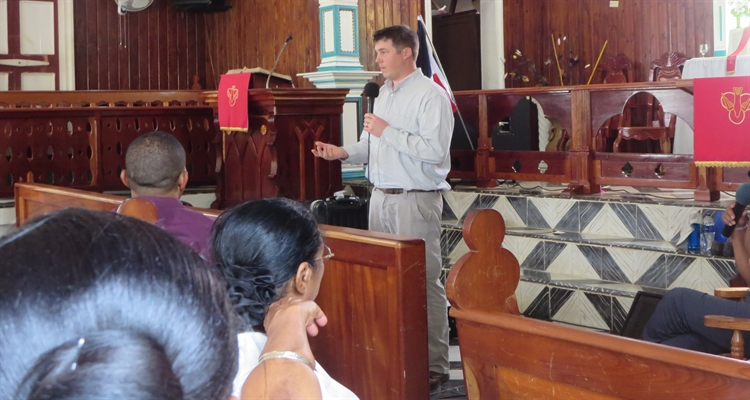 Dan teaching in Samana